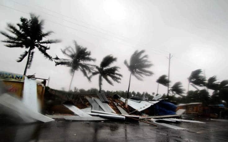 Ινδία: Ο κυκλώνας Φάνι έφτασε- Tουλάχιστον δύο νεκροί!