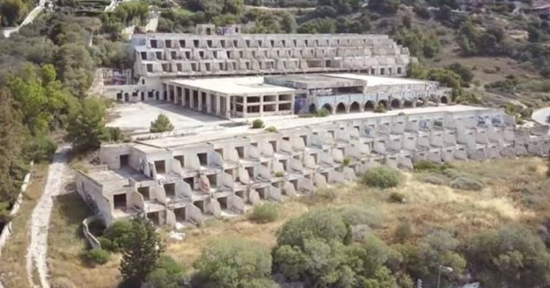Το ξενοδοχείο φάντασμα στην Αλθέα! Γιατί δεν λειτούργησε ποτέ;