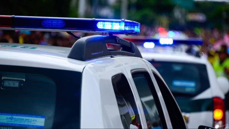 Μπαράζ επιθέσεων κουκουλοφόρων σε συγκεντρώσεις της ΝΔ