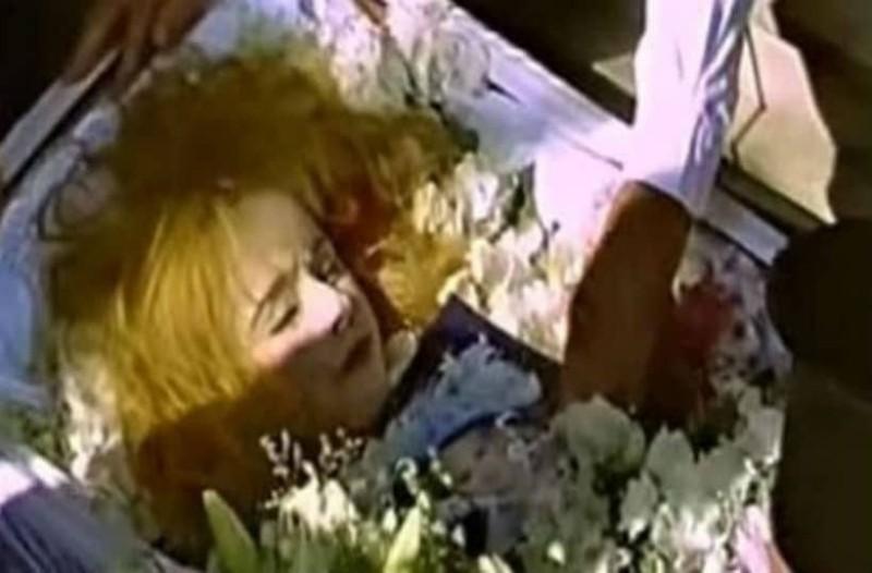 Εικόνα σοκ: Έτσι ήταν η Αλίκη Βουγιουκλάκη λίγο πριν πεθάνει!