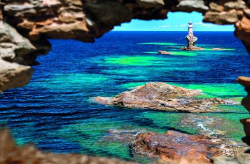 7+1 νησιά δίπλα στην Αθήνα που πρέπει να επισκεφτείτε!