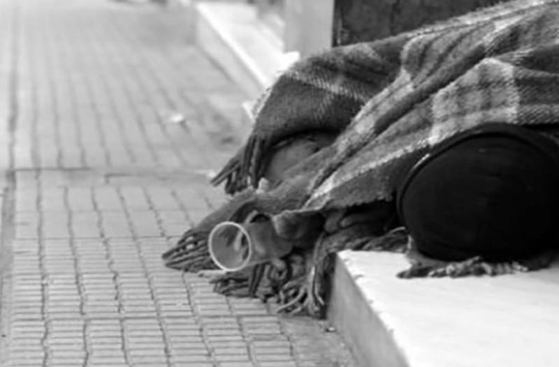 Φρίκη: Φορτηγό έκανε όπισθεν και σκότωσε άστεγο!