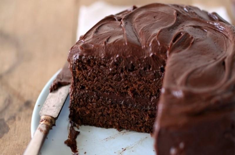 Πεντανόστιμο κέικ με πραλίνα!