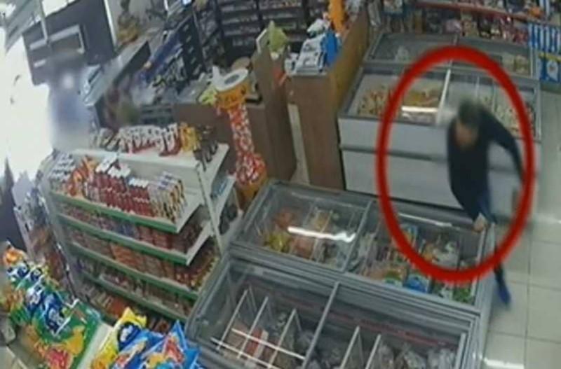 Βίντεο - ντοκουμέντο από τη δολοφονία του Κωνσταντίνου Κατσουλάκη στα Χανιά