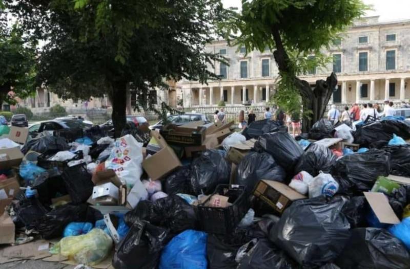 Συναγερμός: Ανησυχούν οι ξενοδόχοι για τα σκουπίδια στην Κέρκυρα!