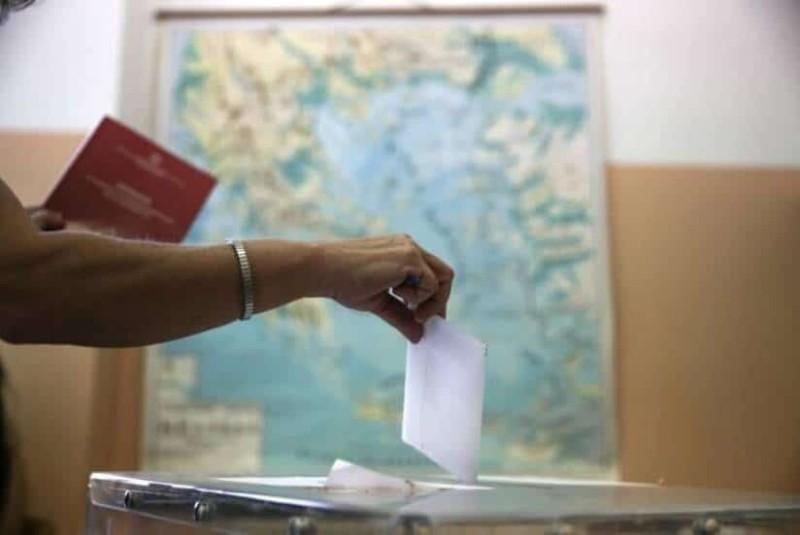 Εκλογές: Τι θα γίνει με τις εκλογικές άδειες;