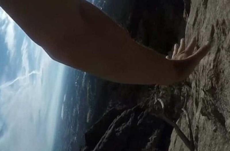Απίστευτο: Ορειβάτης καταγράφει την στιγμή της πτώσης του! (Video)