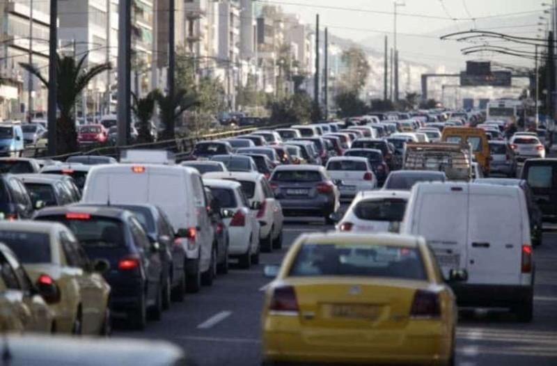 Απίστευτη κίνηση στους δρόμους της Αθήνας!