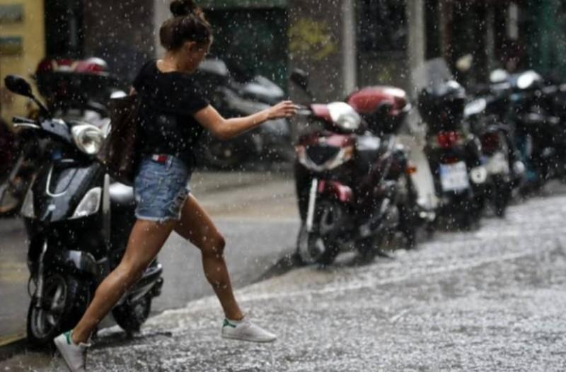 Καιρός τώρα: Με κακοκαιρία ξεκινάει η βδομάδα! Βροχές, καταιγίδες και ισχυρούς ανέμους!