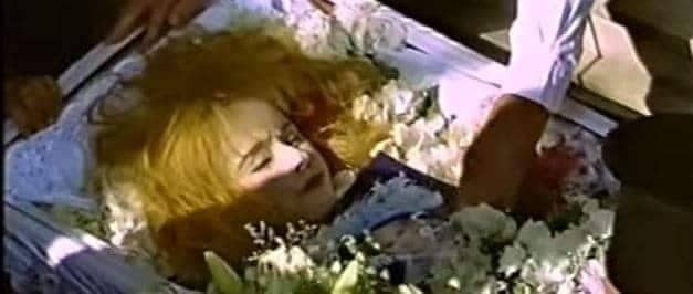 Αλίκη Βουγιουκλάκη: Το ανατριχιαστικό περιστατικό με τη νεκρή ηθοποιό στην κηδεία της που δεν παρατήρησε κανείς!