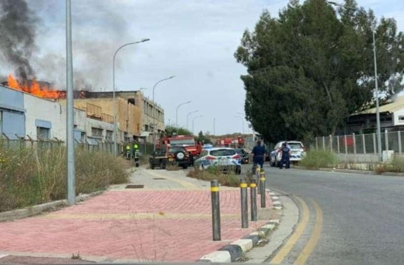 Συναγερμός στην Κύπρο: Φλέγεται εργοστάσιο!