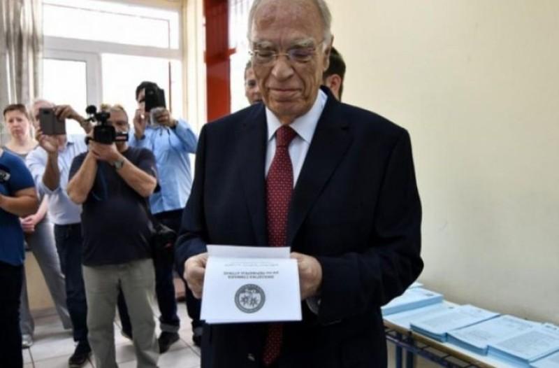Θεός Λεβέντης για exit poll: «Ψήφισαν Βελόπουλο που έδινε αλοιφές για τη μέση»