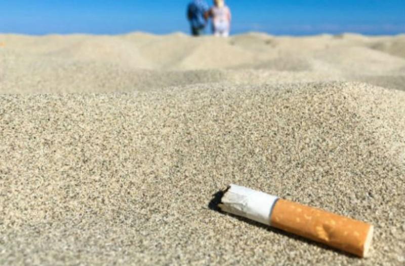 Το ξέρατε; Αυτή είναι η ελληνική παραλία όπου απαγορεύεται το κάπνισμα!