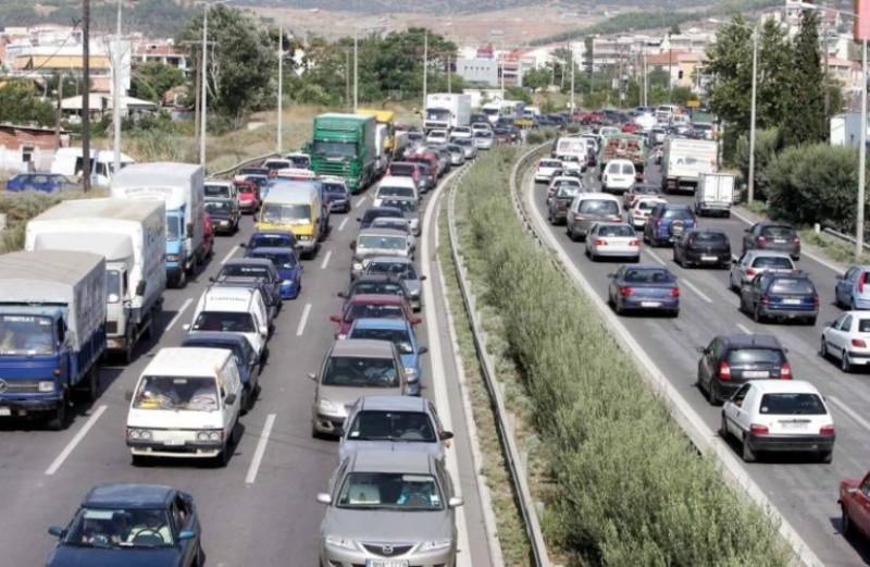 Θεσσαλονίκη: Σφοδρή σύγκρουση οχημάτων στην περιφερειακή οδό!