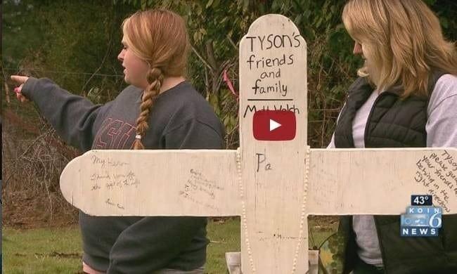 Ο γιος της σκοτώθηκε σε τροχαίο! Όταν η μάνα του πήγε στον τάφο έπαθε σοκ μ' αυτό που αντίκρισε! (video)