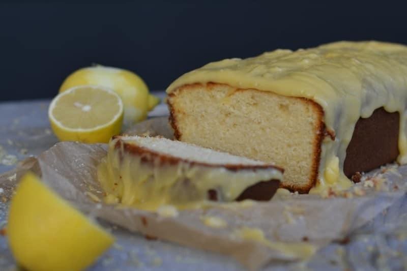 Πανεύκολο κέικ λεμόνι χωρίς μίξερ! (Video)
