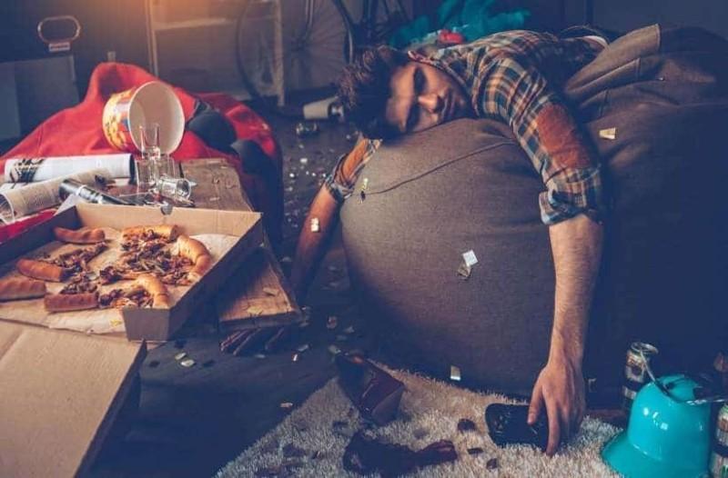 Σκληρό Hangover: 9+1 τρόποι για να το ξεπεράσεις!