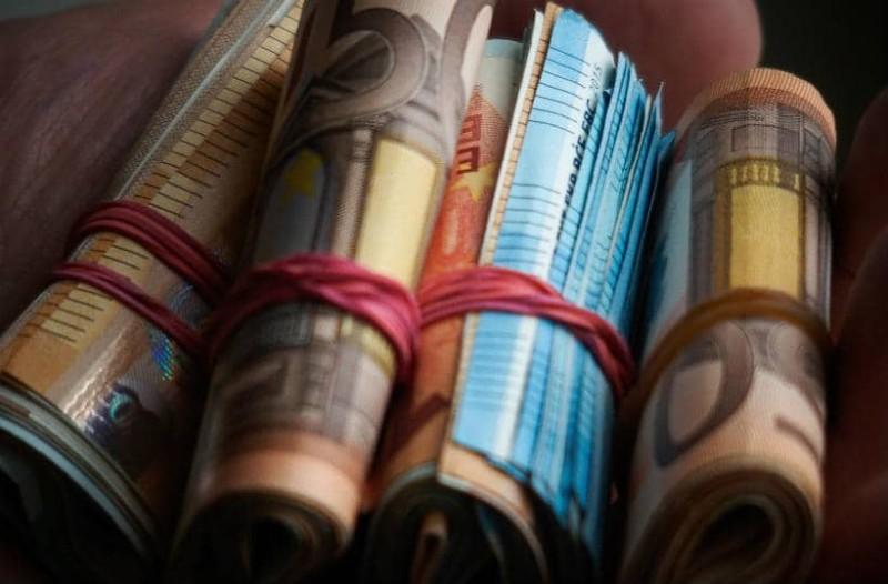 Επίδομα ανάσα: 400 ευρώ στους λογαριασμούς μέχρι τον Σεπτέμβριο!