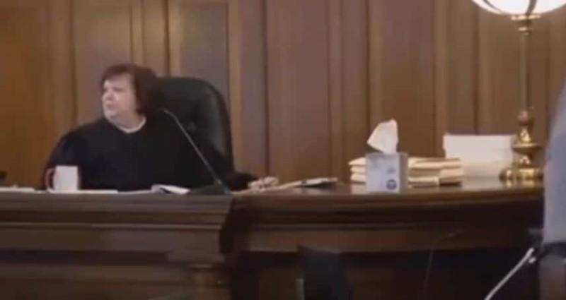 Αυτοκτονία δικαστήριο