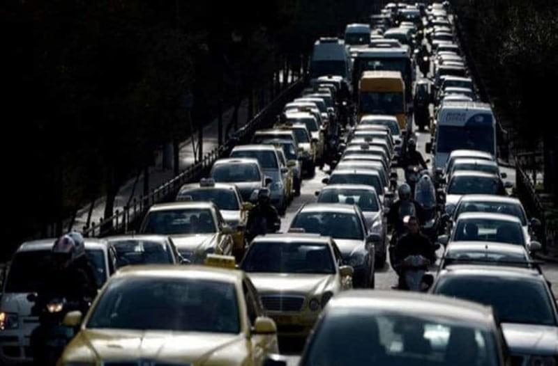 Κίνηση στους δρόμους: Προβλήματα στην Κηφισίας - Mποτιλιάρισμα στη Συγγρού!