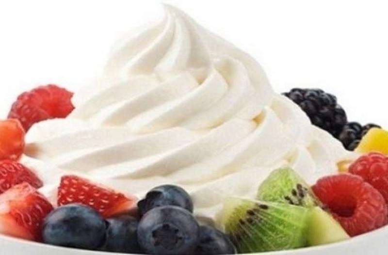 Φτιάξτε λαχταριστό σπιτικό παγωμένο γιαούρτι!