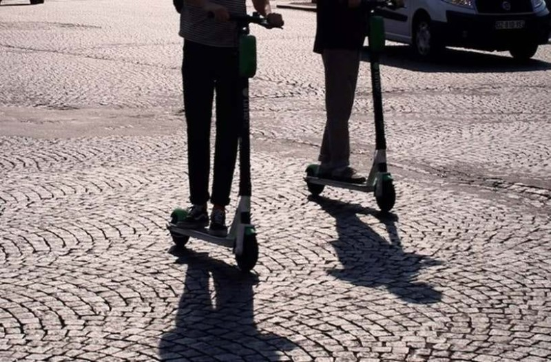 Σοκ στην Εύβοια: Πατίνι συγκρούστηκε με μηχανή!