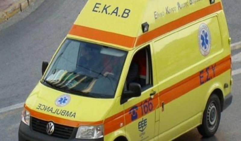 Ασθενοφόρο έμεινε στην Κατεχάκη ενώ μετέφερε ασθενή!