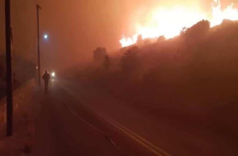 Μεγάλη φωτιά στην Κάρυστο!