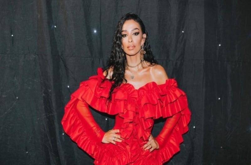 Ελένη Φουρέιρα: Φωτιά στα κόκκινα στα βραβεία Mad!
