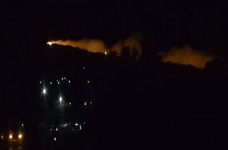 Κάρυστος: Εκκενώθηκαν πάνω από δέκα κατοικίες λόγω φωτιάς!