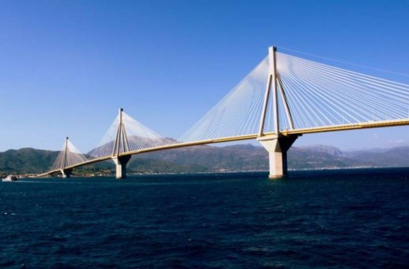 Ποδηλάτης έπεσε από την γέφυρα Ρίο - Αντίρριο!