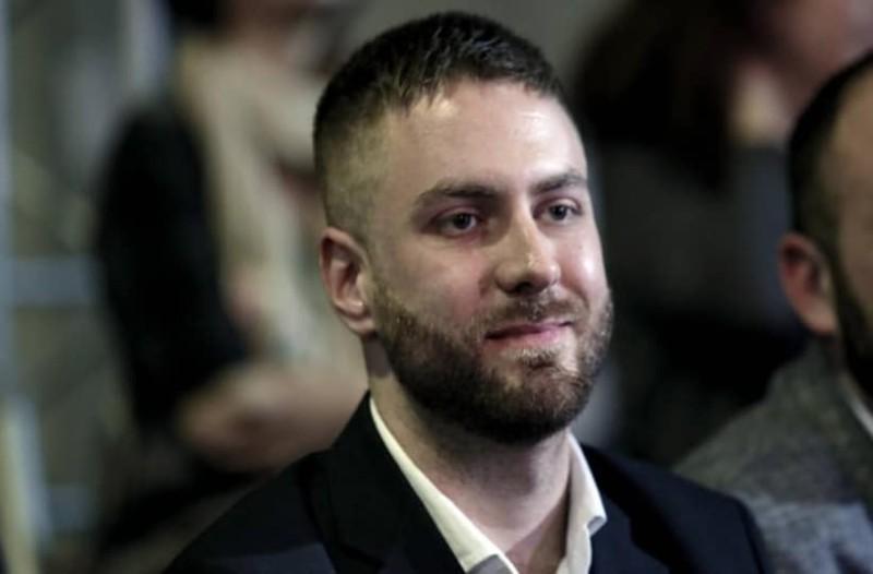 Τζέισον Αντιγόνη: Ξύρισε το κεφάλι του... ΣΥΡΙΖΑ!
