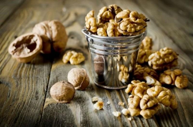 Φάτε 7 καρύδια και περιμένετε για 4 ώρες. Αυτό που θα σας συμβεί θα σας εκπλήξει!