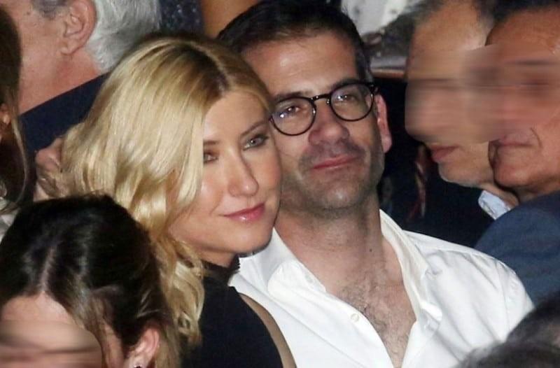 Σία Κοσιώνη: Εξαφανισμένη από το προφίλ του... συζύγου της!