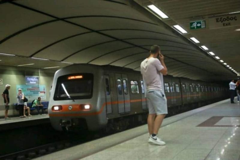 Έρχονται αλλαγές στο Μετρό: Πλέον θα μπορούμε να μιλάμε και μέσα στους συρμούς!
