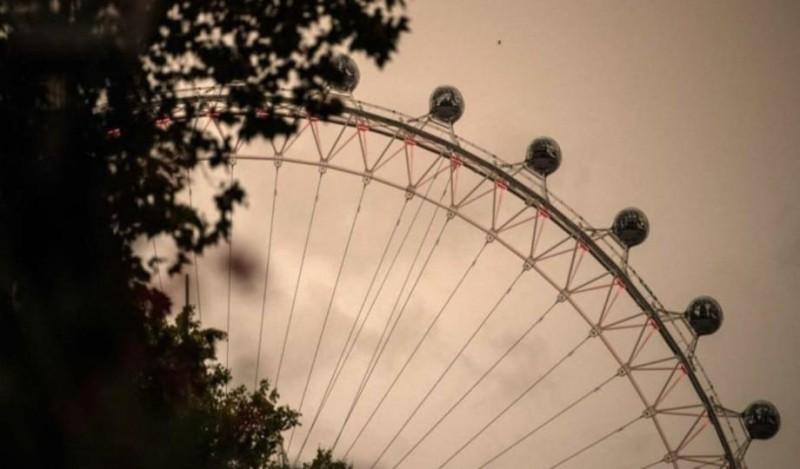 Σοκ στο Λούνα Παρκ: Γυναίκα έπεσε από περιστρεφόμενη