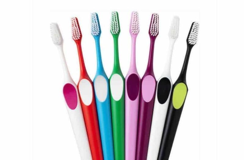 Κάθε πότε πρέπει να αλλάζετε οδοντόβουρτσα;