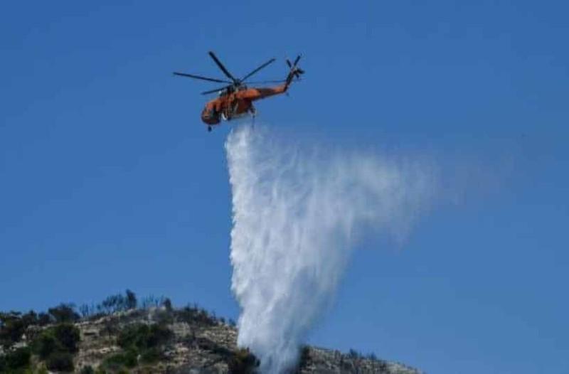Λαύριο: Σε εξέλιξη η πυρκαγιά - Εκκενώθηκε καταυλισμός μεταναστών!