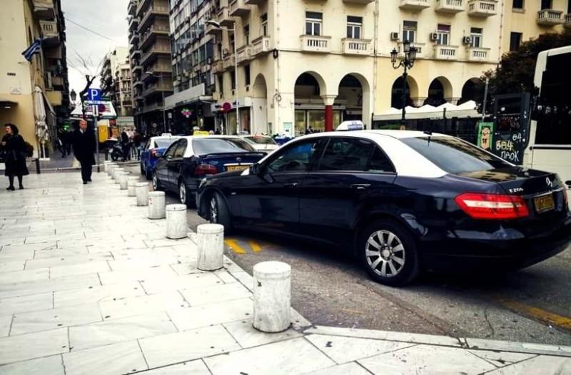Θεσσαλονίκη: Βρήκε 5.200 ευρώ στο ταξί του και τα παρέδωσε!