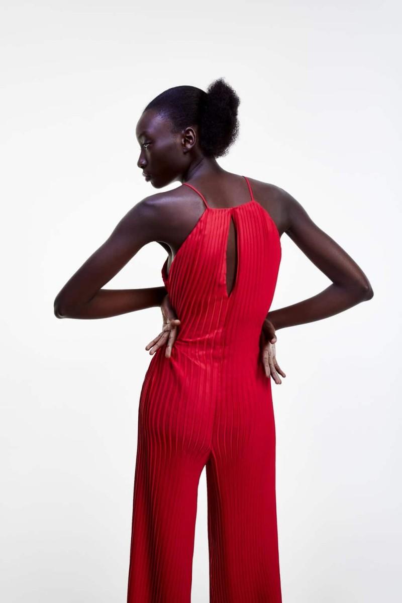 ολόσωμη φόρμα zara