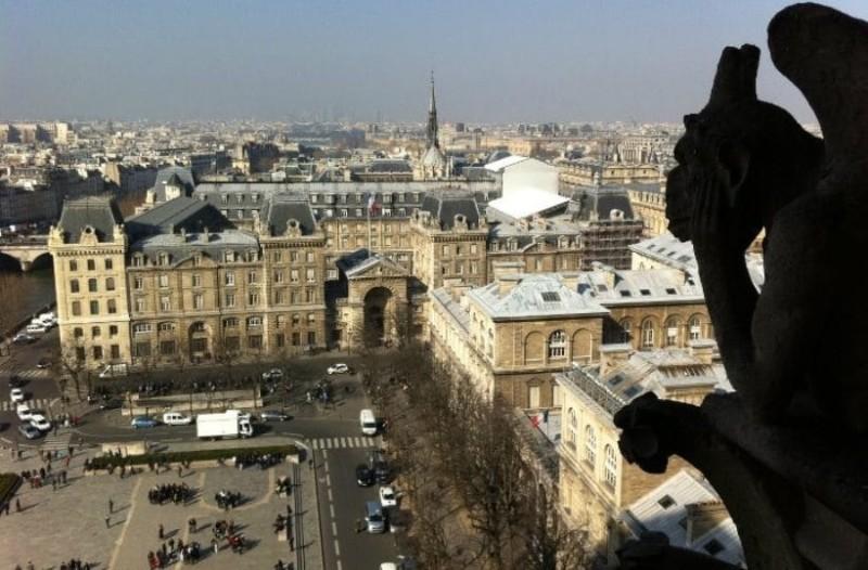 Συναργερμός στο Παρίσι:Ο καύσωνας απειλεί την Παναγία των Παρισίων!