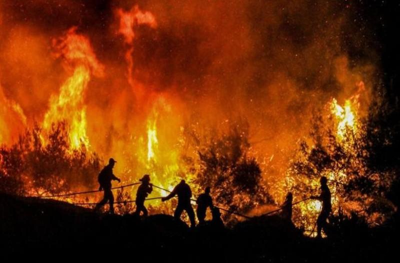 Θρίλερ από την πυρκαγιά στον Κιθαιρώνα: Σε δύσβατο σημείο η φωτιά!