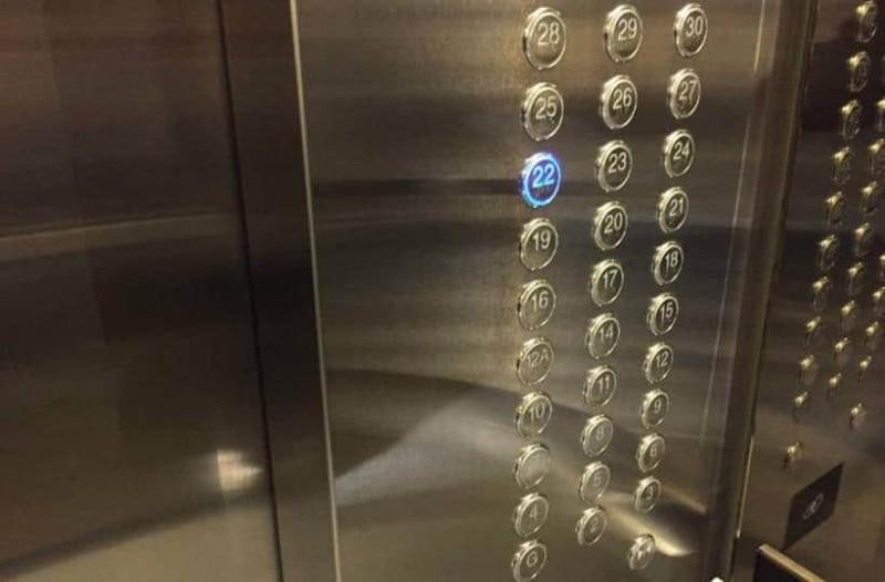 Απίστευτο: Εγκλωβίστηκε 50χρονη σε ανελκυστήρα 27 ώρες και επιβίωσε!