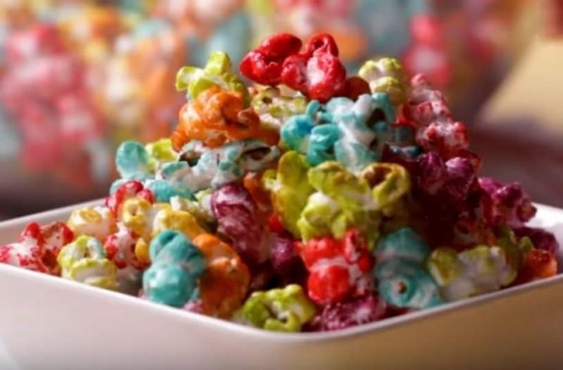 Τα γλυκά χρωματιστά ποπ κορν που μπορείς να φτιάξεις! (Video)