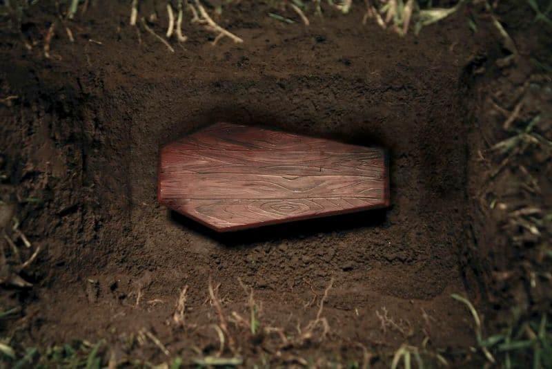 Ανατριχιαστική ιστορία: Γύρισε από τους νεκρούς... Δύο μήνες μετά την ταφή του!