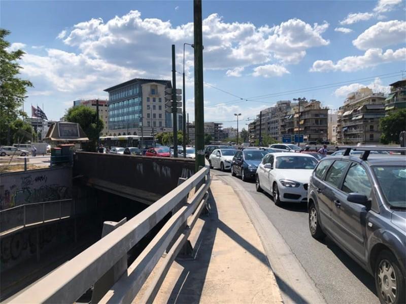 Σεισμός στην Αττική: Χαμός στους δρόμους της Αθήνας!