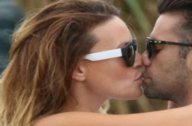 Σίσσυ Χρηστίδου - Θοδωρής Μαραντίνης: Καυτά φιλιά στο στόμα για το... χωρισμένο ζευγάρι!