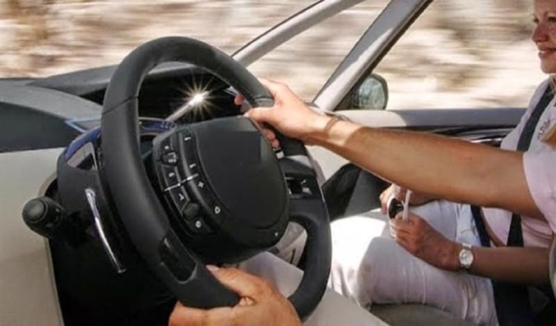 Κι όμως! Όλα τα αυτοκίνητα έχουν έναν μυστικό μηχανισμό που οι μισοί Έλληνες δεν ξέρουν την ύπαρξή του!