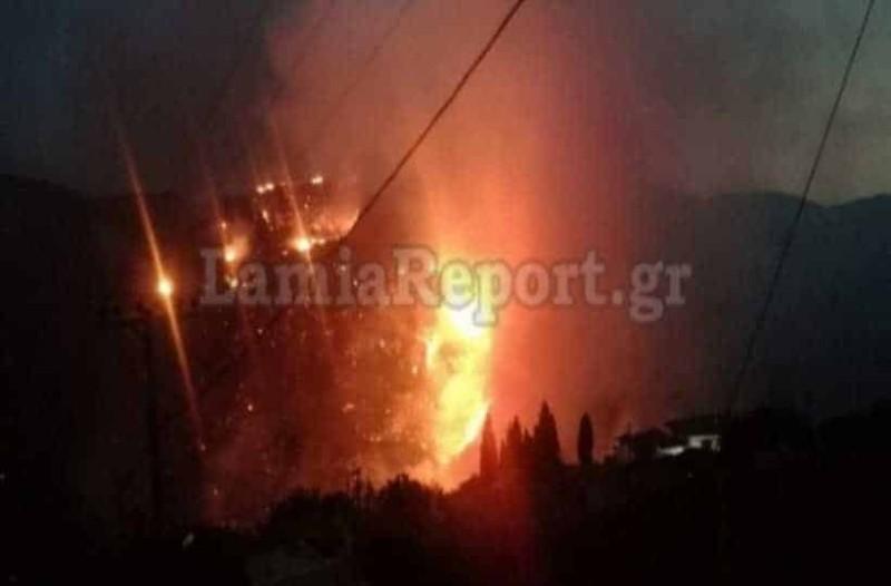 Φωτιά στην Εύβοια: 5 πολίτες στο νοσοκομείο - Εκκενώθηκαν σπίτια!