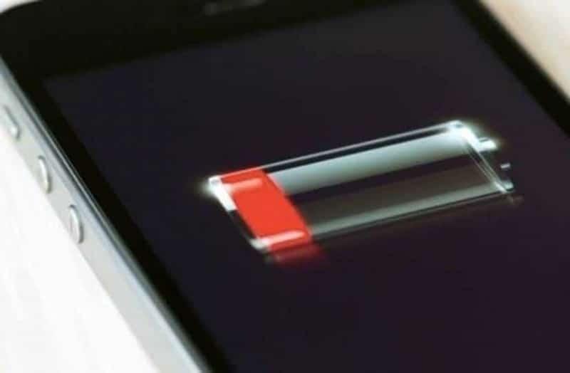 Προσοχή: Αν φορτίζετε το κινητό σας όλο το βράδυ τότε θα πρέπει να το σταματήσετε!